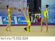 Гимнастки с булавами (2013 год). Редакционное фото, фотограф Анатолий Дьяков / Фотобанк Лори