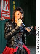 Купить «Певица Света», эксклюзивное фото № 5035300, снято 7 сентября 2013 г. (c) Вероника / Фотобанк Лори