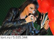 Купить «Певица Света», эксклюзивное фото № 5035344, снято 7 сентября 2013 г. (c) Вероника / Фотобанк Лори
