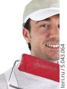 Купить «Улыбающийся декоратор», фото № 5043064, снято 17 ноября 2009 г. (c) Phovoir Images / Фотобанк Лори