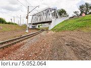 Купить «Железнодорожный мост на МЖД», эксклюзивное фото № 5052064, снято 22 июля 2012 г. (c) Алёшина Оксана / Фотобанк Лори