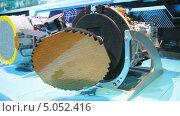Купить «Радиолокатор для военного самолета на Международном авиационно-космическом салоне МАКС-2013», видеоролик № 5052416, снято 14 сентября 2013 г. (c) Игорь Долгов / Фотобанк Лори