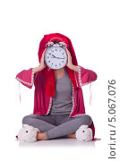 Купить «Домохозяйка с часами на белом фоне», фото № 5067076, снято 3 апреля 2013 г. (c) Elnur / Фотобанк Лори