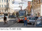 Купить «ДТП с трамваем в Протопоповском переулке. Москва», фото № 5087836, снято 26 апреля 2013 г. (c) Охотникова Екатерина *Фототуристы* / Фотобанк Лори
