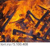 Купить «Огонь - горящее дерево», фото № 5100408, снято 29 сентября 2013 г. (c) SevenOne / Фотобанк Лори