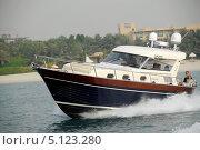 Прогулка на яхте (2006 год). Редакционное фото, фотограф Валерий Волобоев / Фотобанк Лори