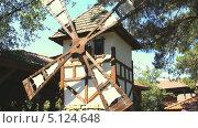 Купить «Работающая мельница в Голландии», видеоролик № 5124648, снято 3 июля 2012 г. (c) Курганов Александр / Фотобанк Лори