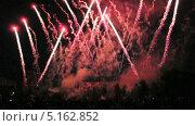 Купить «Фестиваль фейерверков в Москве», эксклюзивный видеоролик № 5162852, снято 13 сентября 2013 г. (c) Алёшина Оксана / Фотобанк Лори