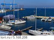 Купить «Город курорт Анапа. Яхты в порту», фото № 5168208, снято 13 октября 2013 г. (c) Игорь Архипов / Фотобанк Лори