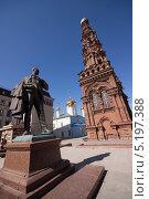Купить «Памятник Шаляпину», фото № 5197388, снято 17 апреля 2013 г. (c) Рашит Загидуллин / Фотобанк Лори