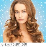 Купить «Красивая молодая женщина с роскошными локонами», фото № 5201560, снято 10 октября 2010 г. (c) Syda Productions / Фотобанк Лори