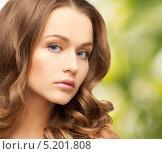 Купить «Красивая молодая женщина с роскошными локонами», фото № 5201808, снято 10 октября 2010 г. (c) Syda Productions / Фотобанк Лори
