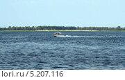 Купить «Моторный катер на реке», видеоролик № 5207116, снято 28 марта 2012 г. (c) Курганов Александр / Фотобанк Лори