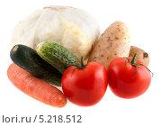 Купить «Свежие овощи на белом фоне», фото № 5218512, снято 13 июля 2013 г. (c) Литвяк Игорь / Фотобанк Лори