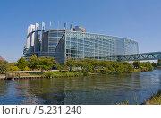 Купить «Здание Европейского парламента в Страсбурге», фото № 5231240, снято 16 июля 2011 г. (c) Валентина Троль / Фотобанк Лори