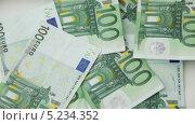 Купить «Падающие банкноты номиналом в 100 евро», видеоролик № 5234352, снято 6 апреля 2013 г. (c) Syda Productions / Фотобанк Лори