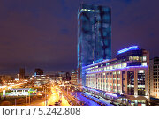 Купить «Ночной вид площади Конституции. Санкт-Петербург», фото № 5242808, снято 6 ноября 2013 г. (c) Кекяляйнен Андрей / Фотобанк Лори