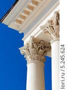 Купить «Фрагмент колоннады зимнего театра в Сочи», фото № 5245624, снято 11 сентября 2012 г. (c) Михаил Иванов / Фотобанк Лори