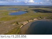 Купить «Вид на озера полуострова Ямал с вертолета», фото № 5255856, снято 20 августа 2013 г. (c) Денис Нечаев / Фотобанк Лори
