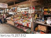 Прилавок на тайском рынке (2013 год). Редакционное фото, фотограф Лукманов Виталий / Фотобанк Лори