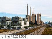 Купить «Дымоходы закрытой тепловой электростанции. Барселона», фото № 5259508, снято 13 июня 2013 г. (c) Яков Филимонов / Фотобанк Лори