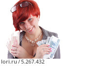 Молодая, симпатичная девушка, бизнес-леди , показывает деньги, Российские банкноты. Стоковое фото, фотограф Даниил Петров / Фотобанк Лори