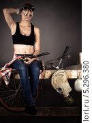 Купить «Женщина-инженер сильно задумалась», фото № 5296380, снято 16 ноября 2013 г. (c) Quadshock / Фотобанк Лори