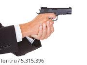 Купить «пистолет в мужских руках», фото № 5315396, снято 24 августа 2013 г. (c) Андрей Попов / Фотобанк Лори