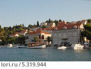 Купить «Хорватия. Дубровник. Портовая гавань», эксклюзивное фото № 5319944, снято 16 сентября 2012 г. (c) Svet / Фотобанк Лори