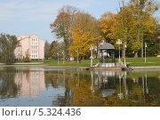 Купить «Калининград. Район Верхнего озера», эксклюзивное фото № 5324436, снято 9 октября 2013 г. (c) Svet / Фотобанк Лори