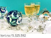 Купить «Новогодняя композиция», фото № 5325592, снято 18 ноября 2013 г. (c) Виктор Топорков / Фотобанк Лори