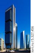 Четыре башни бизнес-района в Мадриде, Испания (2013 год). Редакционное фото, фотограф Яков Филимонов / Фотобанк Лори