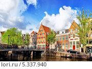 Купить «Набережная и канал в Амстердаме, Голландия», фото № 5337940, снято 19 сентября 2013 г. (c) Vitas / Фотобанк Лори