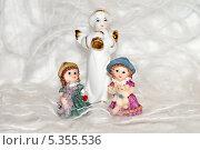 Фигурки ангел и детей. Стоковое фото, фотограф Elena Baranovskaya / Фотобанк Лори