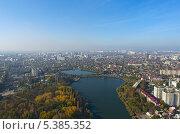 Купить «Город Краснодар, вид сверху», фото № 5385352, снято 15 ноября 2012 г. (c) Виктор Затолокин/Victor Zatolokin / Фотобанк Лори