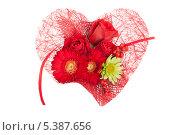 Флористическая композиция в форме сердца с красными цветами. Стоковое фото, фотограф Александр Орлов / Фотобанк Лори