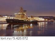 Корабль в ночном Петербурге (2013 год). Редакционное фото, фотограф Александр Ольхов / Фотобанк Лори