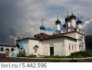 Купить «Церковь Покрова Пресвятой Богородицы в Братцево, Москва», эксклюзивное фото № 5442596, снято 23 мая 2010 г. (c) lana1501 / Фотобанк Лори
