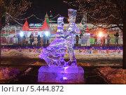 Купить «Выставка ледяных скульптур на Красной площади», эксклюзивное фото № 5444872, снято 14 декабря 2013 г. (c) Алёшина Оксана / Фотобанк Лори
