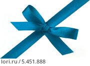 Купить «Синяя лента с бантом», фото № 5451888, снято 11 января 2011 г. (c) Natalja Stotika / Фотобанк Лори
