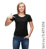 Купить «девушка в черной футболке указывает на себя пальцем», фото № 5477016, снято 5 декабря 2013 г. (c) Syda Productions / Фотобанк Лори