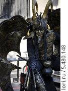 Купить «Живая скульптура на бульваре Рамбла. Барселона. Испания», фото № 5480148, снято 1 сентября 2013 г. (c) Лада Иванова / Фотобанк Лори