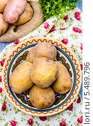 Отварной картофель в мундире. Стоковое фото, фотограф Olena Gorbenko / Фотобанк Лори