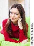 Купить «Девушка дома на диване», фото № 5494880, снято 21 декабря 2012 г. (c) Яков Филимонов / Фотобанк Лори