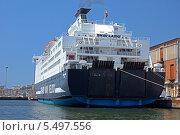 Паром SNAV Lazio в порту города Бари, Италия (2013 год). Редакционное фото, фотограф Евгений Кулагин / Фотобанк Лори