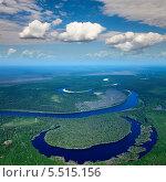 Купить «Вид сверху на лесную равнинную реку летом», фото № 5515156, снято 8 июня 2012 г. (c) Владимир Мельников / Фотобанк Лори