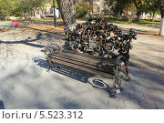 Купить «Херсонская''Скамейка любви''.Херсон.», фото № 5523312, снято 20 октября 2013 г. (c) Кургузкин Константин Владимирович / Фотобанк Лори