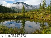 Озеро в горах Западного Саяна. Стоковое фото, фотограф Сергей Кривогузов / Фотобанк Лори