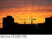 Закат над новостройкой (2013 год). Стоковое фото, фотограф Dmitry Barmin / Фотобанк Лори