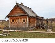 Деревянный дом. Стоковое фото, фотограф Валерий Князькин / Фотобанк Лори